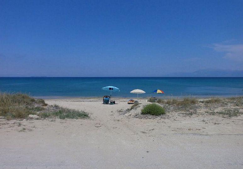 eli-0-beach
