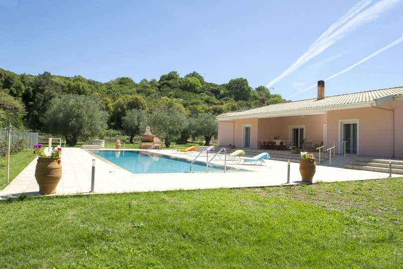 villa-in-corfu-02