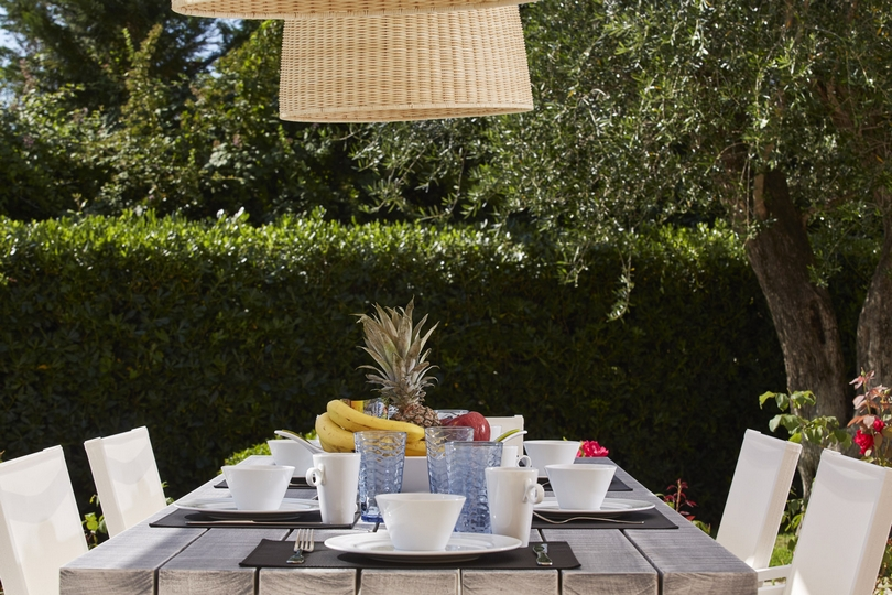 Villa-Olympia-Outdoor-Dining-Table