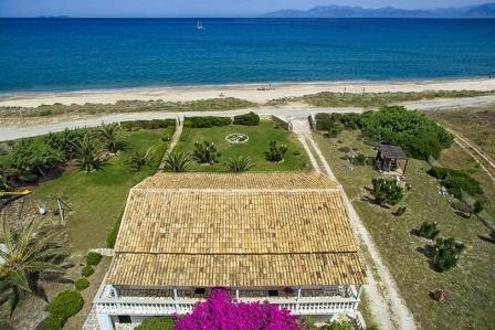 Villa Elli beach apartments in Corfu Almiros