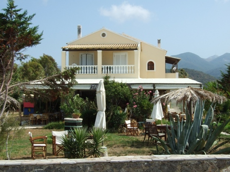 Beach apartments in Corfu villa Avra in Almiros