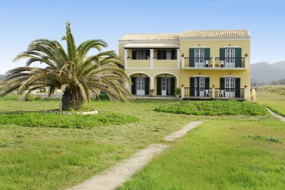Beach apartments in Corfu- Villa Stefania Almiros