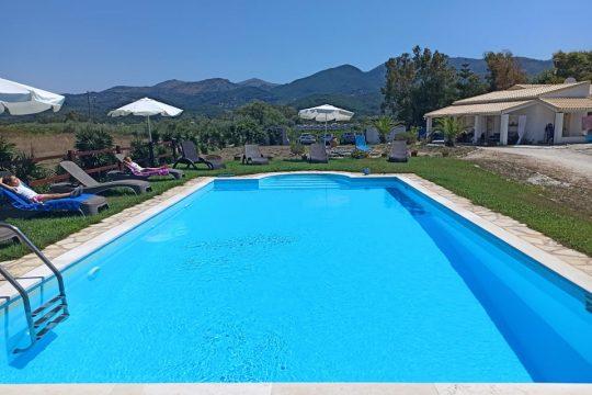 Villa Elli beach Studios in Corfu Almiros