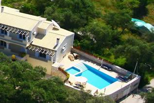 Villa Petrino Ferienhaus mit Pool in Kassiopi Korfu