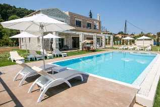 Luxury villas in Corfu – villa Vicoria