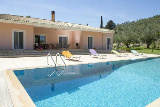 Holiday rentals in Corfu – villa Hermit