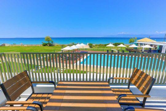 Wave Luxury Suites in Almiros Beach Corfu