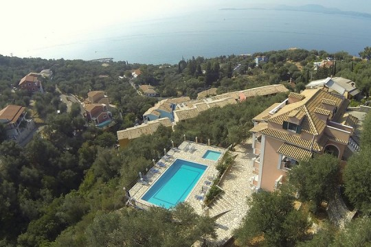 Holiday apartments, villa Nestoras /Nissaki Corfu